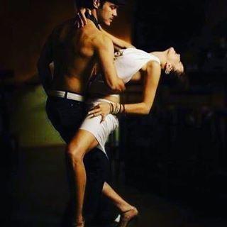Танцуют BACHATA в Калининграде